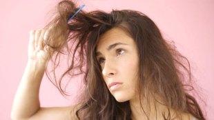Ilustrasi: rambut rusak butuh perawatan (sumber: musely.com)