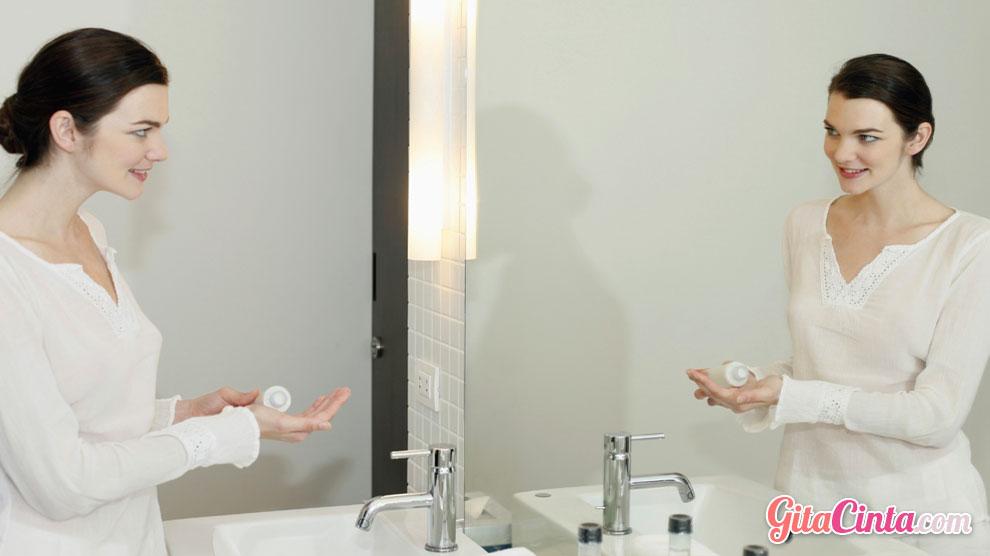 Jangan Salah, Begini Loh Urutan Pemakaian Skin Care yang Tepat