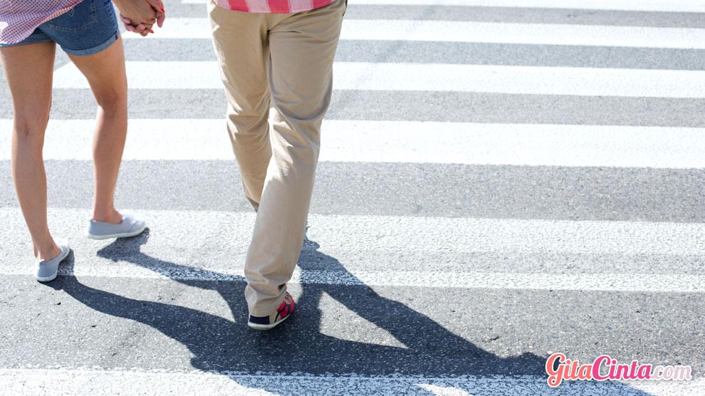 Aneh Tapi Nyata, Ternyata Berjalan Mundur Bisa Meningkatkan Daya Ingat