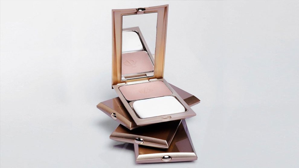 Inez 900 Lustrous Pressed Powder (sumber: beautynesia.id)