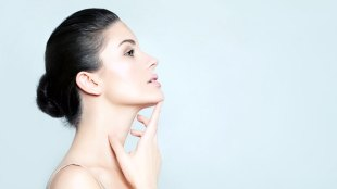 Ilustrasi: perawatan wajah (sumber: azulbeauty.com)