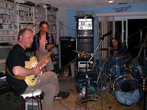 Andrzej na jam session z muzykami z Victorii, Kanada, 2004