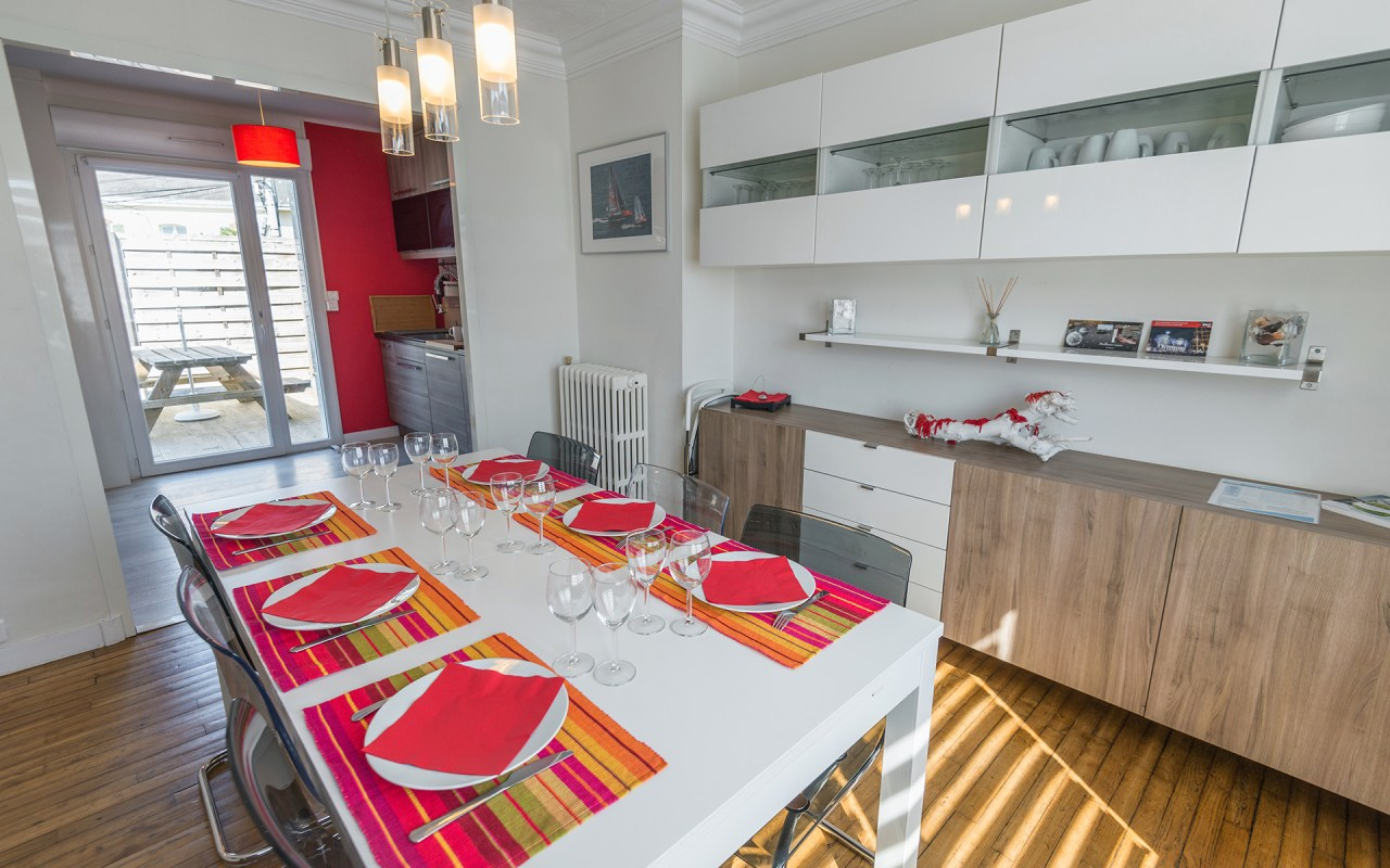 Gite Brest - Au bout du ponton, espace repas