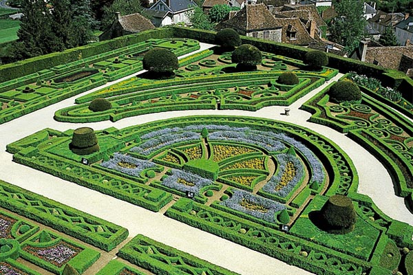 The gardens of the Hautefort Chateaux