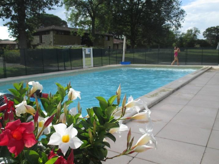 """La piscine du domaine, pour faire """"trempette"""""""