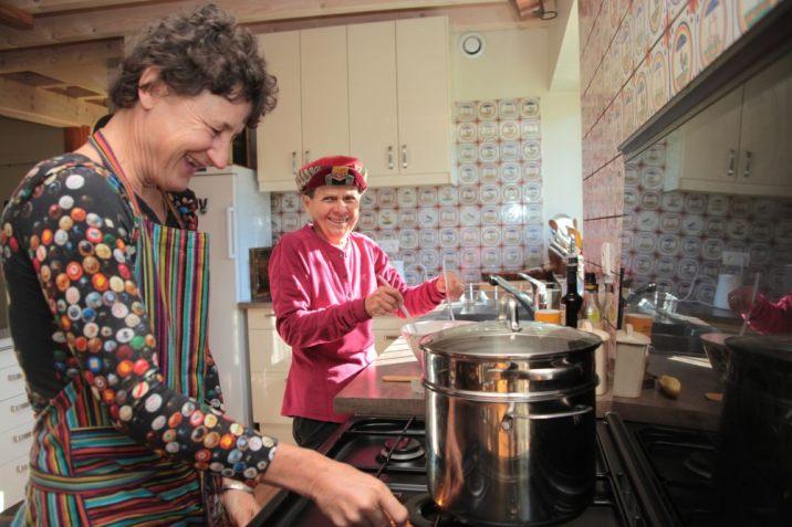 Ariane et Sophie en cuisine