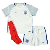 E: 15/07 Win a Nike England Home Infants Minikit 2016 – U me and the kids