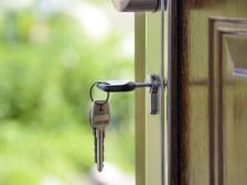 E: 30/07 Win a year's free home insurance!