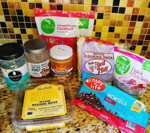 Ingredients Used For Toasted Coconut, Chocolate, and Chia Granola Bars