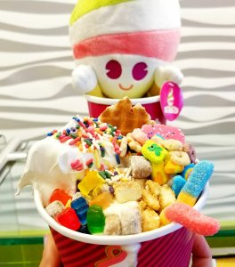 Menchie's Frozen Yogurt (Froyo) Build-Your-Own Creation So much fun to look at!