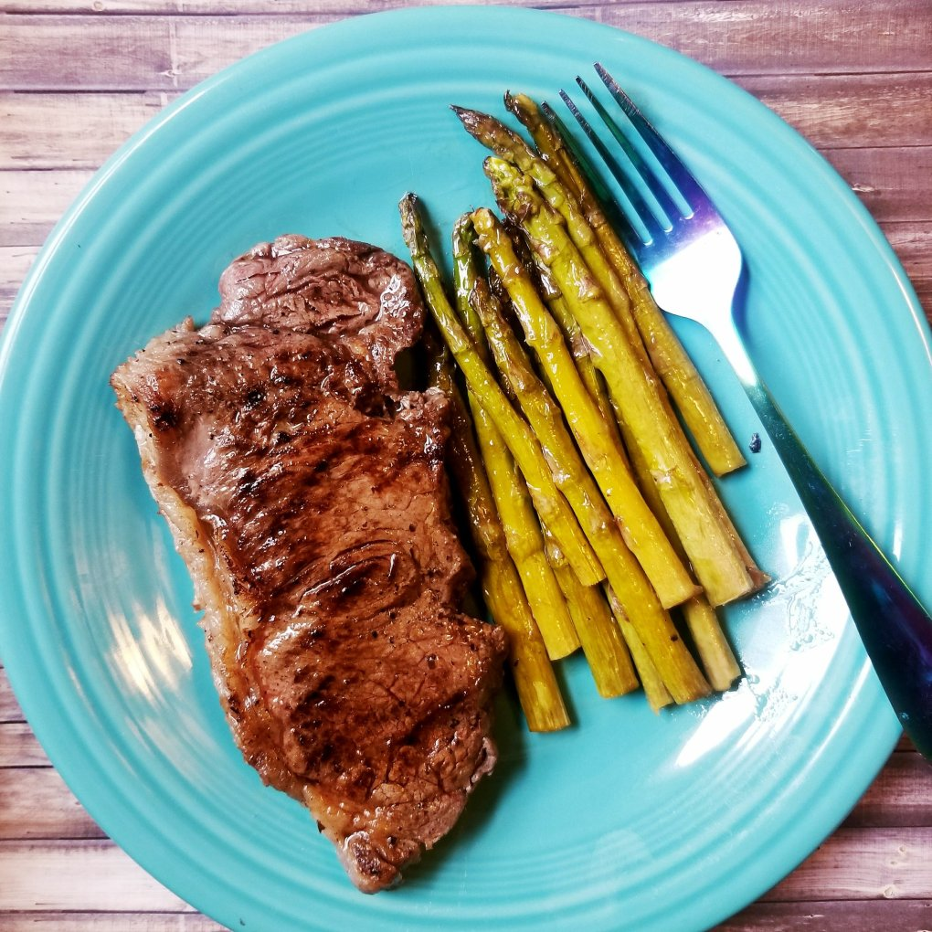 Balsamic Steak w/ Primal Kitchen Foods Balsamic Dressing/Marinade and Roasted Balsamic Asparagus