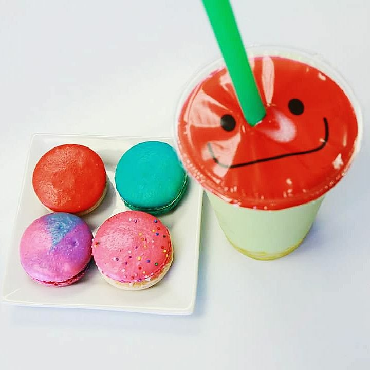 Macarons and boba at Kawaii Bubble Tea