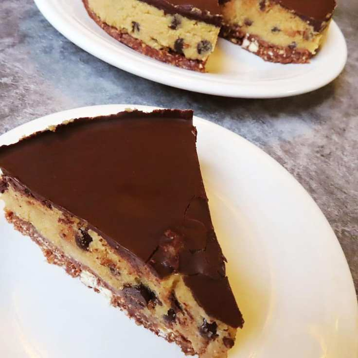 Vegan-friendly and gluten-free Chocolate Chip Cookie Dough Cheesecake