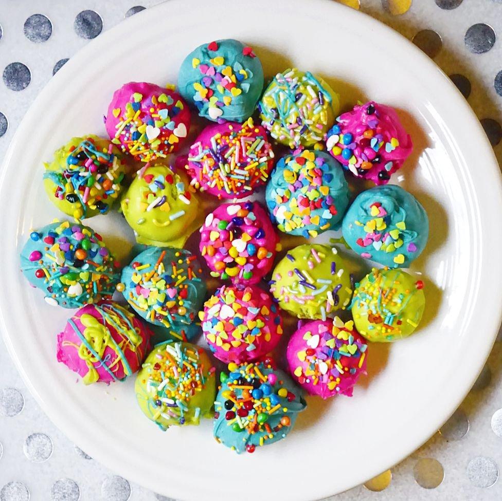 Super Duper Moist Cake Balls ready for you!