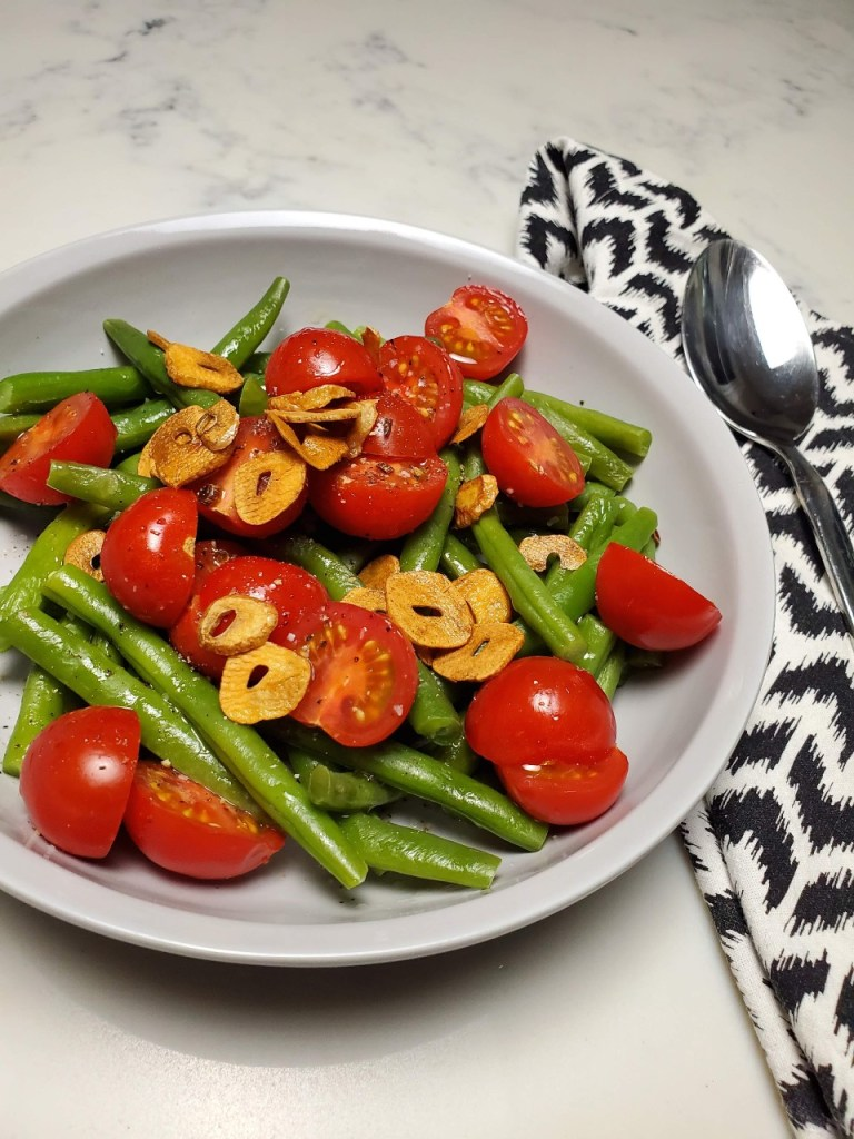 Green Beans with Lemon, Tomatoes and Fried Garlic
