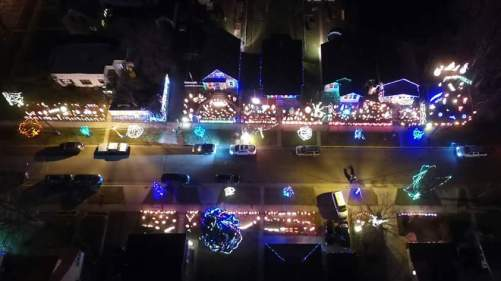 holiday lights on york avenue.jpg