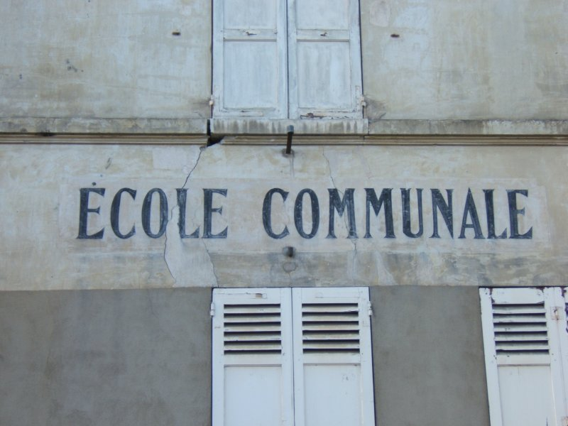 https://i1.wp.com/givernews.com/images/photo06/ecole-communale.jpg