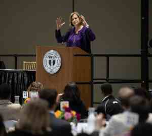 Linda Pitzi Jojo '87, '92G, Executive Vice President, Technology, and Chief Digital Officer, United Airlines, Incorporated, and a member of the Rensselaer Board of Trustees, addressed the students and their families at the dinner.