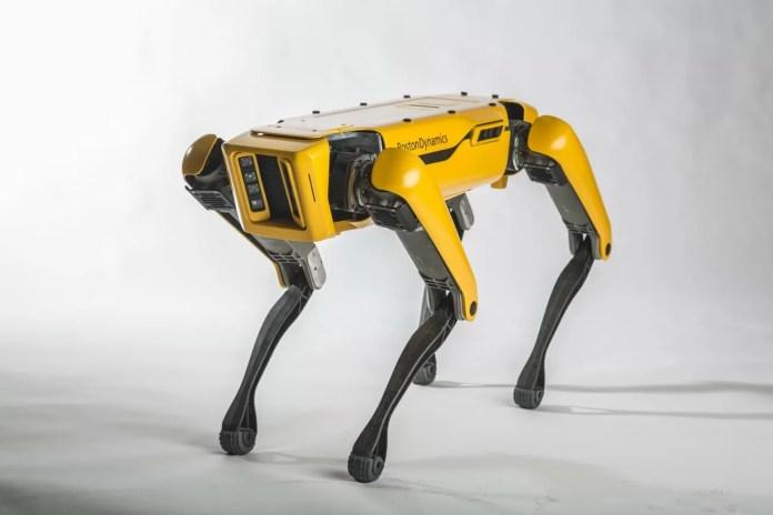 robot spotmini boston dynamics