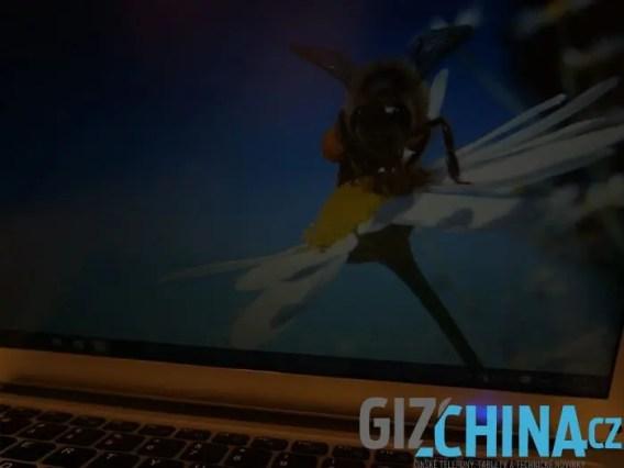 Jumper EZBook 2 displej down