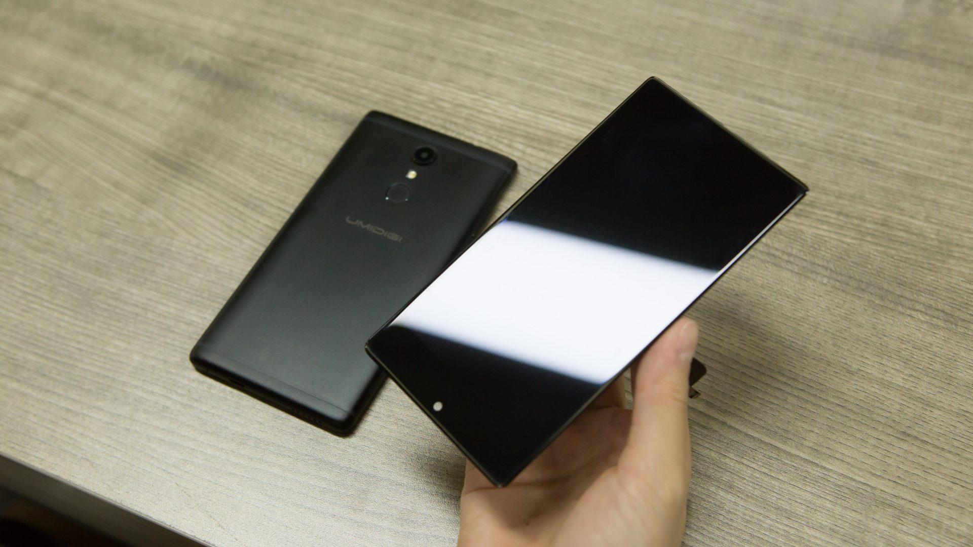 Samsung, futuro è già passato: display 'elastico' che si può arrotolare