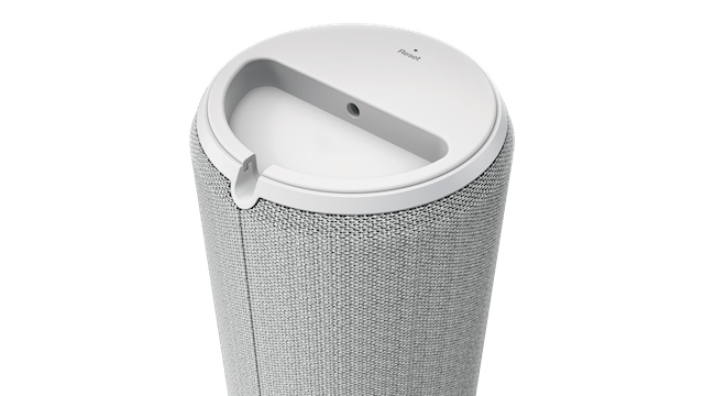 Lenovo Smart Assistant Is Amazon Alexa Powered Digital Personal Assistant [CES 2017]