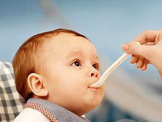 Perkenalan Makanan Setelah ASI Kepada Bayi
