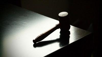 O martelo da justiça!!1