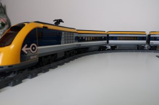 Dual LEGO City 2018 Passenger Trains Modified with Jacobs bogies! 60197