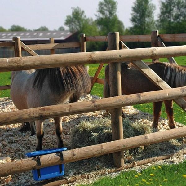 Halbrundholz Pferdekoppel