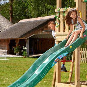 Spielturm-Barn-2