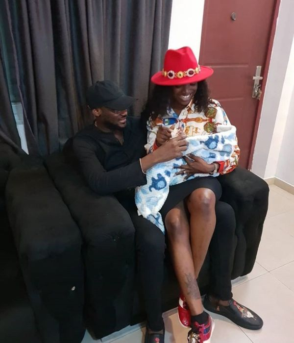 2Baba And Annie In A Loved Up Photo As They Visit Toyin Abraham's Family 1