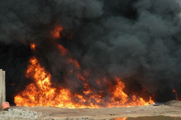 BREAKING NEWS!! 5 Persons Burnt To Death In Ondo Road Accident 1