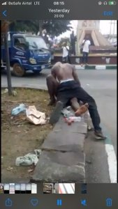 Watch video of Man Filmed Having S£x With A Mad Woman Broad Daylight In Akwa Ibom (Video) 2