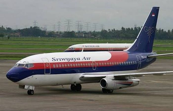 Indonesian Plane With Over 50 Passengers Aboard Goes Missing After Take-Off 4