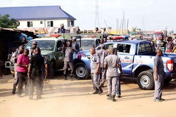 Idiroko Border Remains Shut – Customs Warns 1