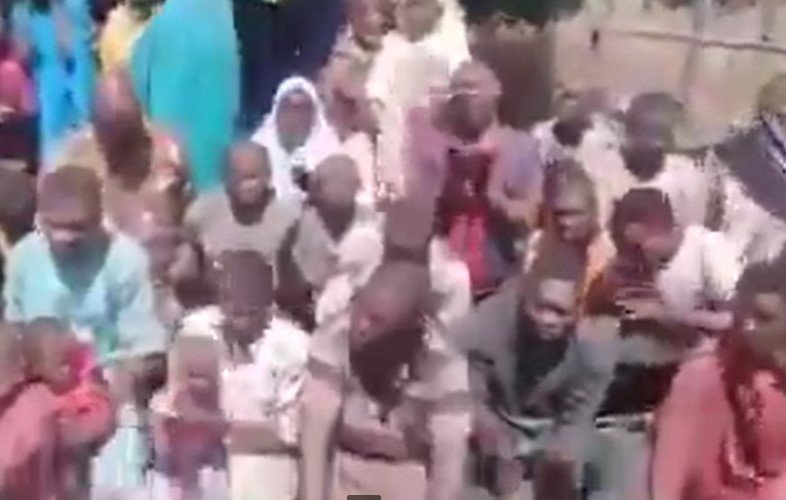 Niger State Bandits Releases Video Of Kidnapped Students, Threaten Captives And State Authorities (WATCH VIDEO) 1
