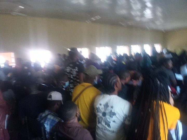 University Of Abuja Lecture Hall Overcrowded, No Social Distancing (Photos) 1