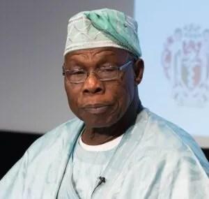 Ex-Nigeria President Obasanjo, Rocks Stylish Native Wear Like A Teenage Star (Photo) 2