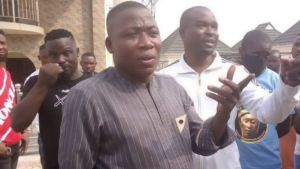 Watch Moment Sunday Igboho And Oduduwa Agitators Chase Away DSS Officer (Video)