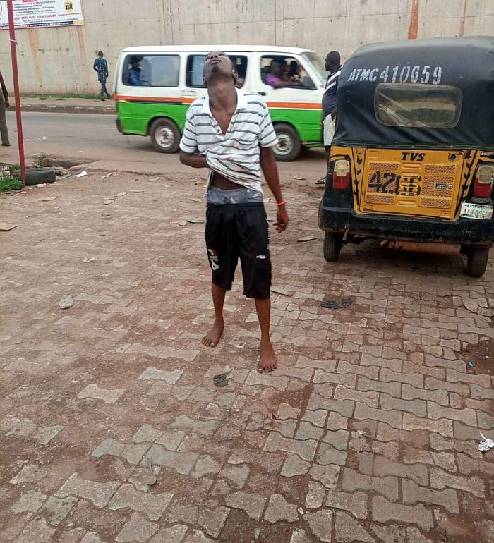 Man Runs Mad After Allegedly Taking Hard Drugs In Anambra State (See Photos)