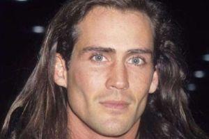 The Main Actor In Popular Movie Tarzan Has Died In A PLANE CRASH (PHOTO)