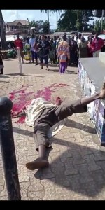 """Unknown Gunmen Behead Man In Anambra Puts A Warning Note """"No Election"""" (See Photo) 1"""