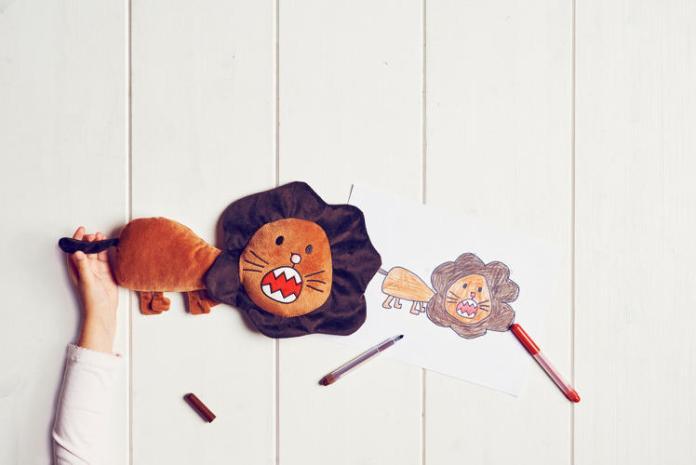 ikea-desenhos-pelucias-criancas-leao