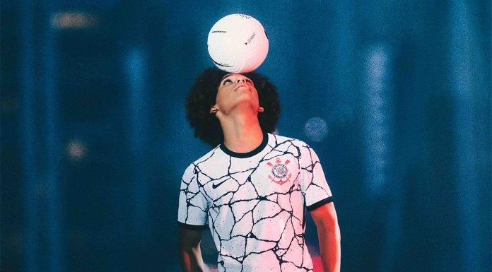 Nike e Corinthians apresentam camisa principal da temporada.