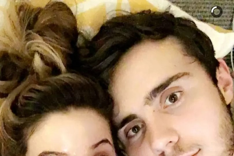 Zoella & Alfie Pictures 2016: Snapchat, Kissing On