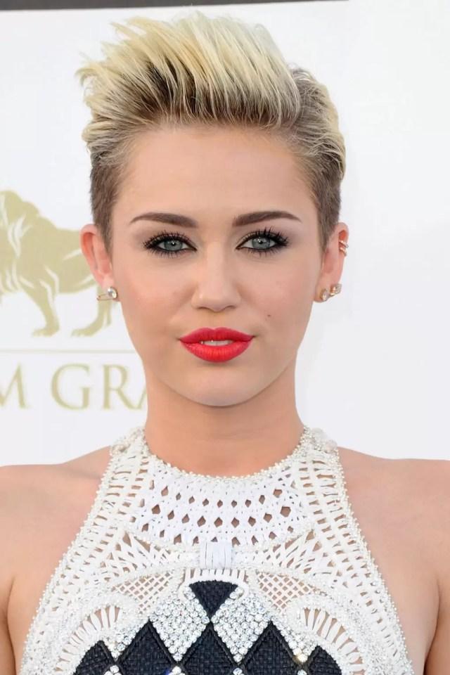 miley cyrus hairstyles - best hair, makeup & beauty looks