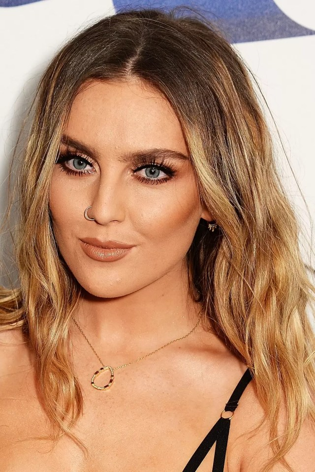 how to style grown out roots: celebrities with dark roots