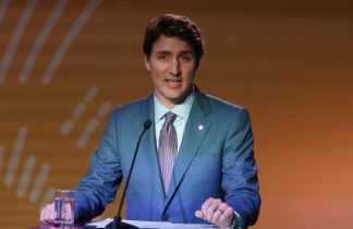 Canada's Trudeau ready to offer aid to ensure pipeline is built
