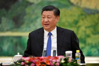 China's Xi says web management key to stability